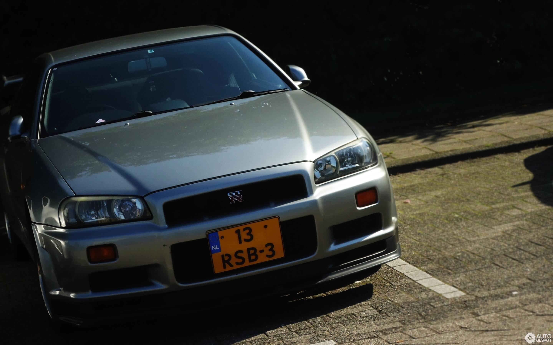 13-RSB-3: NISSAN SKYLINE GT-R uit 1999