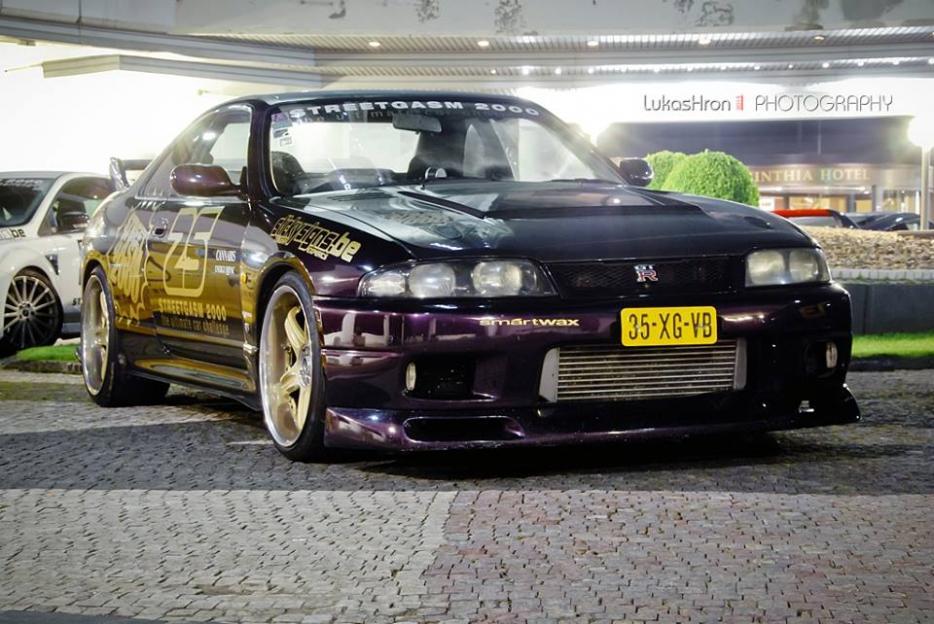 35-XG-VB: NISSAN SKYLINE GT-R uit 1995