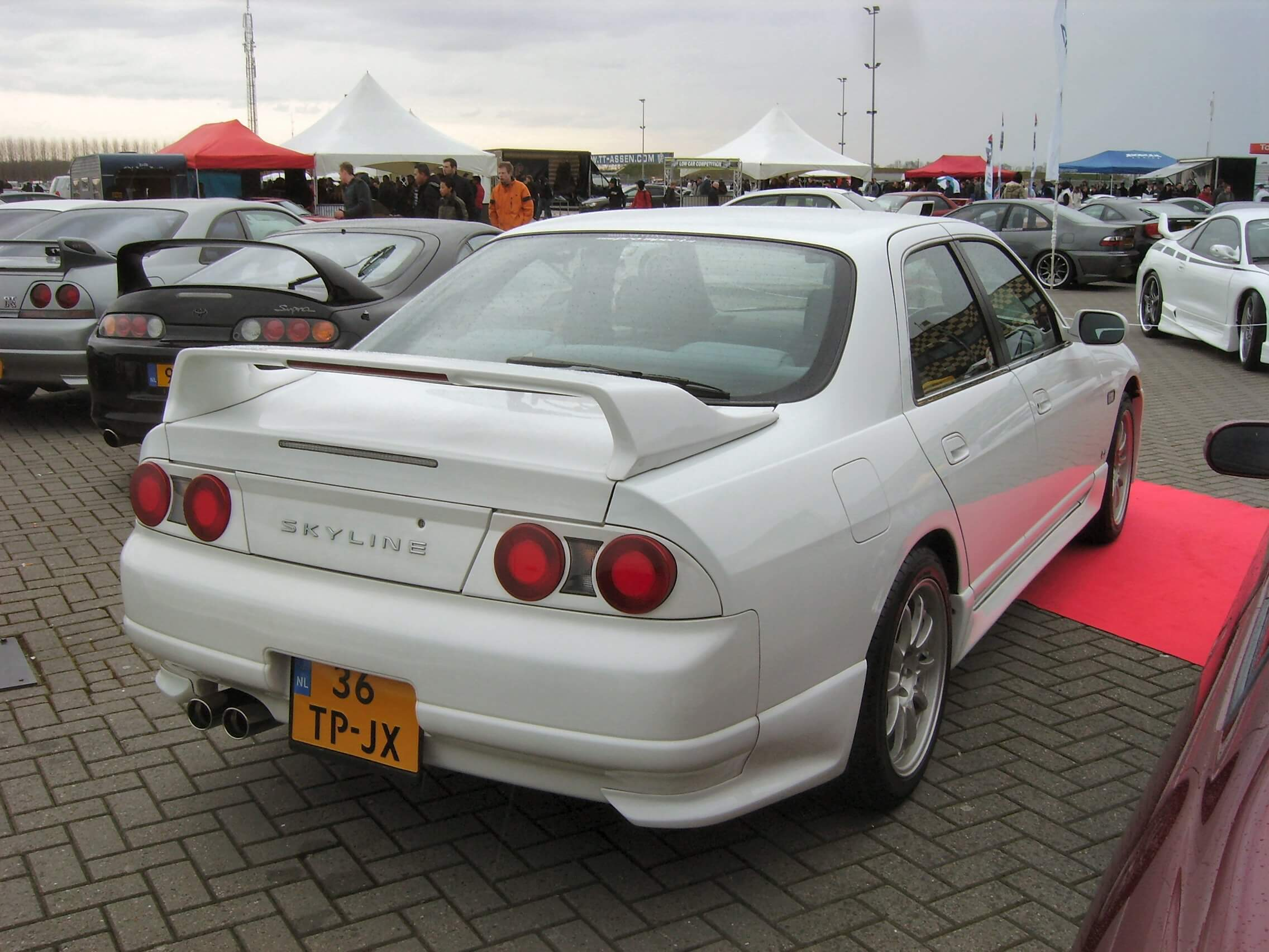 36-TP-JX: NISSAN SKYLINE GTS-4 uit 1995