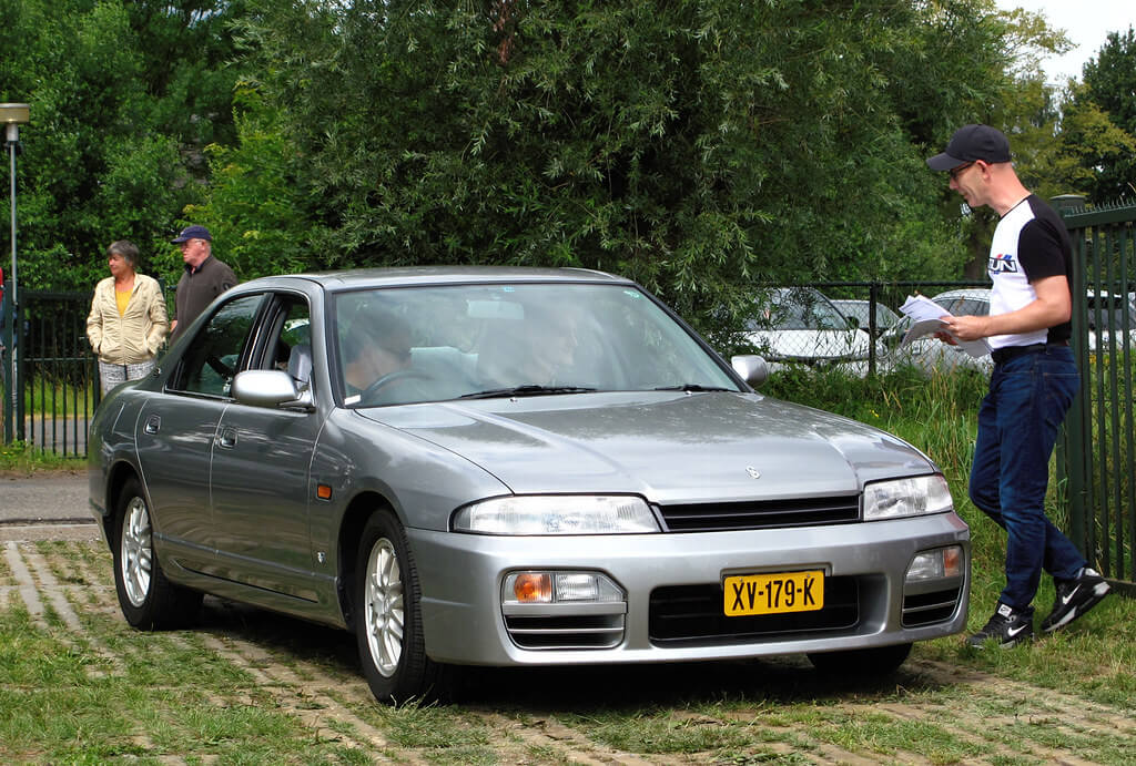 XV-179-K: NISSAN SKYLINE GTS uit 1997